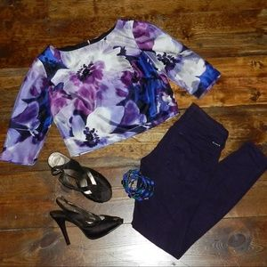 *NWT* Floral Crop Top with Zippered Back